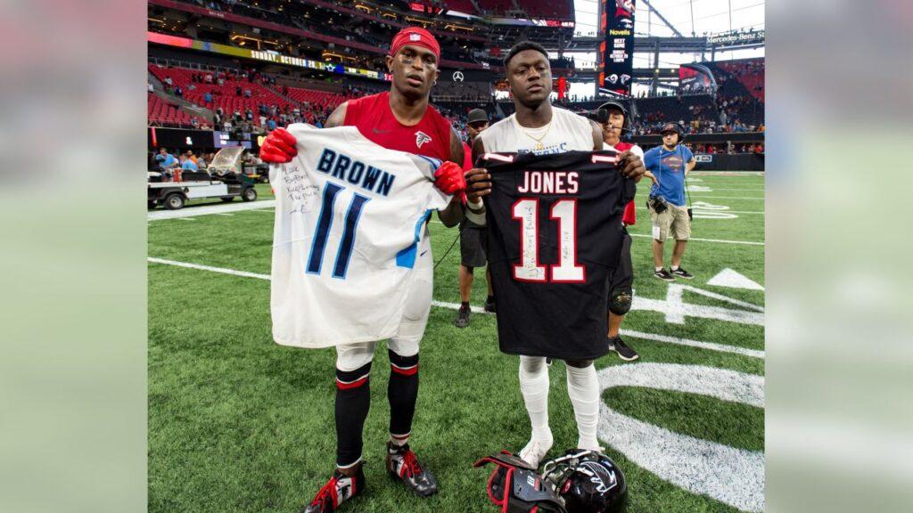 Tennessee tendrá uno de los mejores dúos de WRs en la liga en AJ Brown y Julio Jones.
