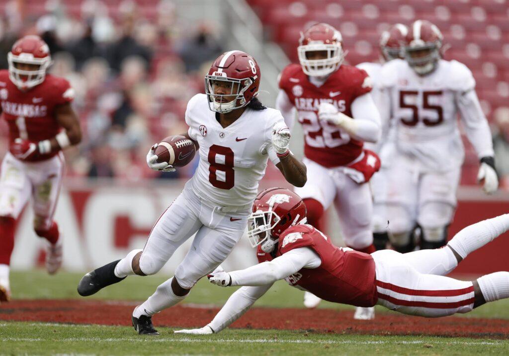 John Metchie III será otro receptor de Alabama seleccionado en primera ronda en este NFL Mock Draft 2022