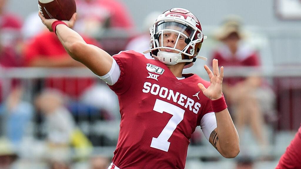 Spencer Rattler encabeza el NFL Mock Draft 2022